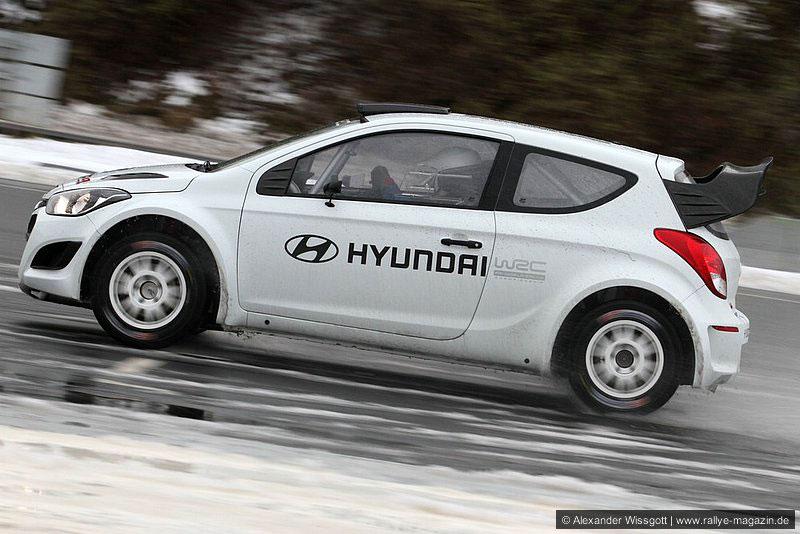 Hyundai I20 Blanche : hyundai continue ses tests avec la i20 wrc livr e blanche ~ Gottalentnigeria.com Avis de Voitures