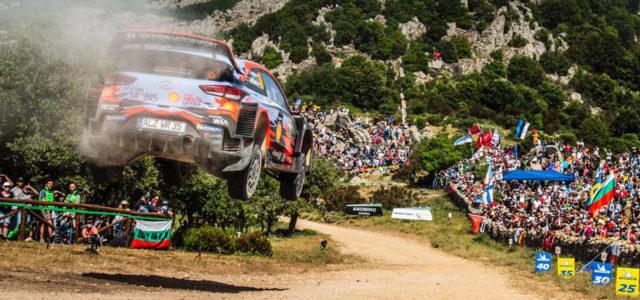 Coup de théâtre énorme pour Ott Tänak qui filait vers la victoire en Sardaigne mais la mécanique de la Toyota Yaris WRC en a voulu autrement dans l'ultime spéciale (direction […]