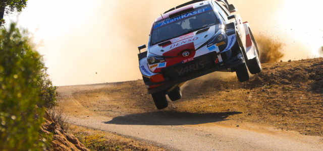 Après le Monte Carlo et la Croatie, Ogier décroche ce dimanche en Sardaigne une troisième victoire cette saison où il s'impose devant Evans qui permet à Toyota de signer un […]