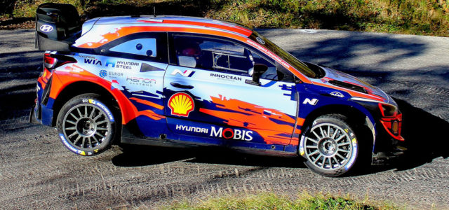 En lice pour décrocher un deuxième titre de champion du monde constructeurs consécutif, l'armada Hyundai Motorsport était sur les routes italiennes cette semaine pour préparer la dernière manche du WRC […]
