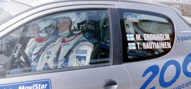 Dimanche 26 Novembre 2000 ! Après une campagne de quatorze pays visités à toute vitesse et pas moins de 6000kms de spéciales, Marcus Grönholm, accompagné de son fidèle copilote beau-frère […]