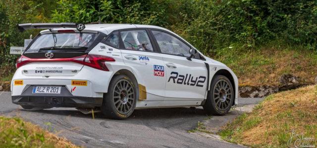 La nouvelle Hyundai i20 Rally2, qui va bientôt effectuer ses premiers tours de roue officiels à Ypres au rallye WRC de Belgique, est actuellement sur les routes de Toscane en […]